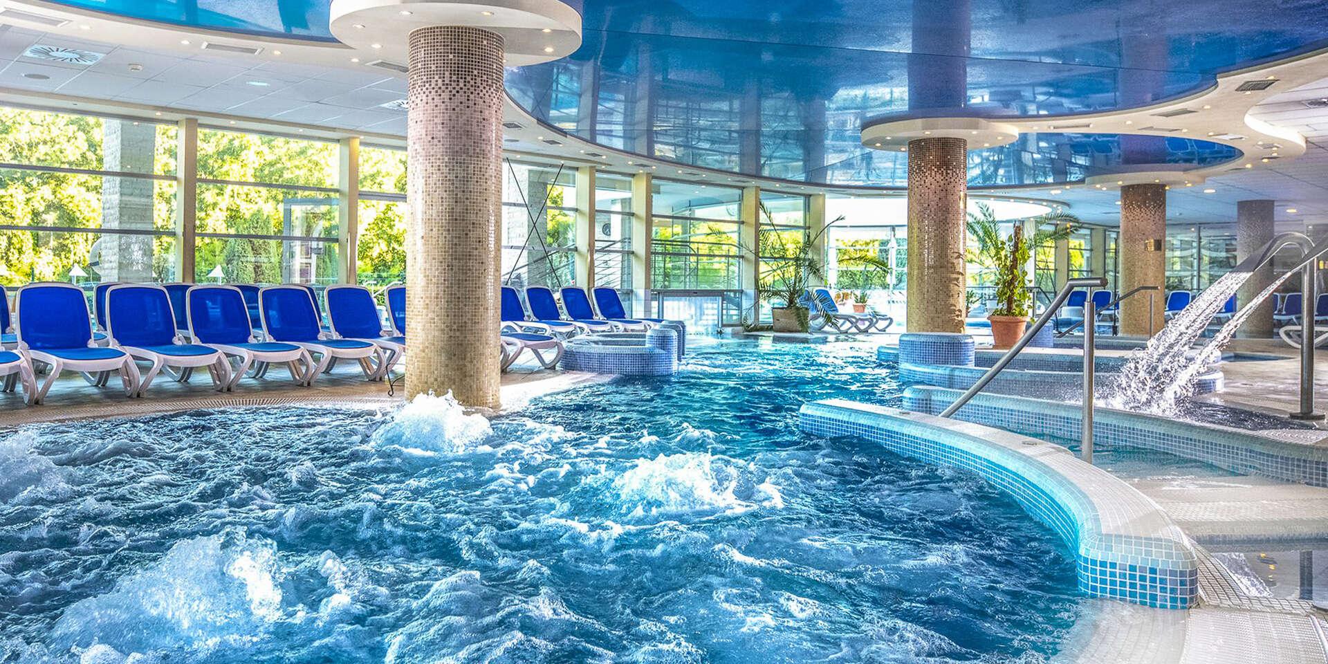 Maďarský Thermal Hotel Visegrad**** superior s polpenziou + vstupom do termálnych bazénov
