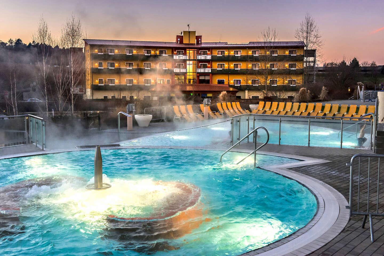 Neobmedzený wellness pobyt v bazénoch s termálnou liečivou vodou v Thermenhoteli PuchasPLUS****