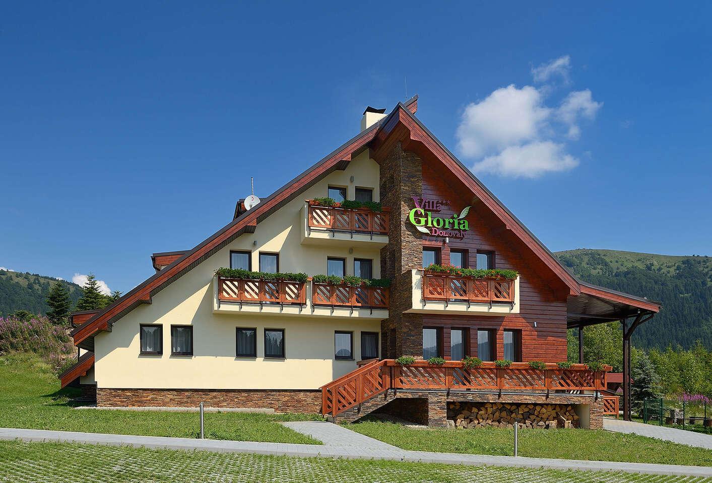 Obľúbená štýlová Villa Gloria*** na Donovaloch so vstupom do wellness. Cez víkendy voľné!